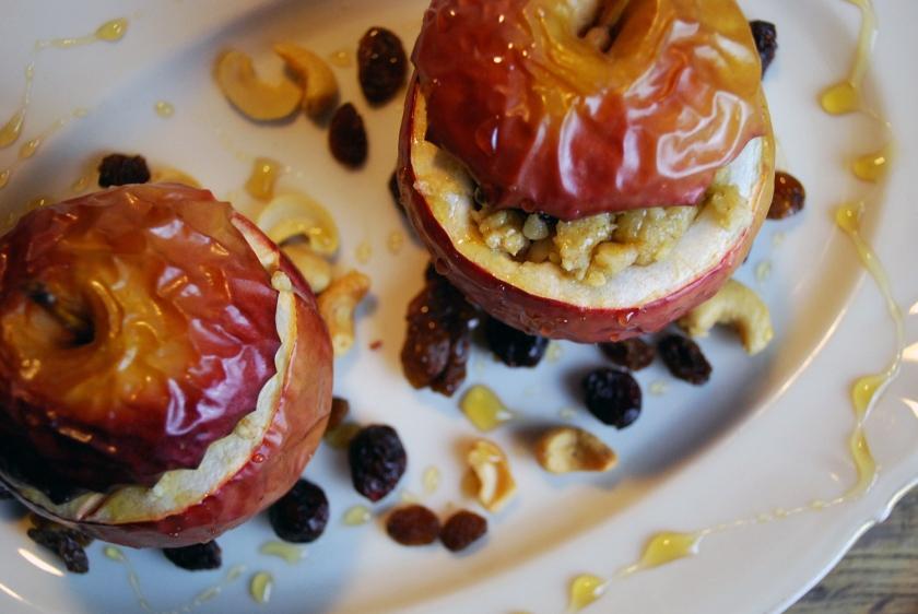 jablka pieczone z orzechami i suszonymi owocami 2